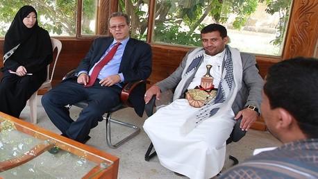 عبد الملك الحوثي وجمال بن عمر