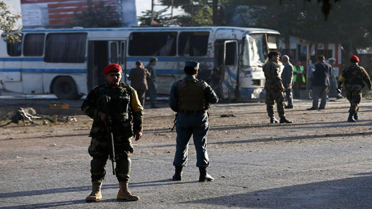 مقتل وإصابة العشرات في هجومين ضد الجيش الأفغاني غداة توقيع الاتفاق الأمني