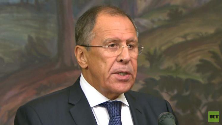 لافروف: نأمل ألا يصمت الغرب على مأساة المقابر الجماعية في أوكرانيا
