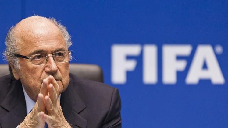 سيناتور أمريكي يطالب بإعلان نتائج التحقيق في ملفي استضافة روسيا وقطر كأس العالم