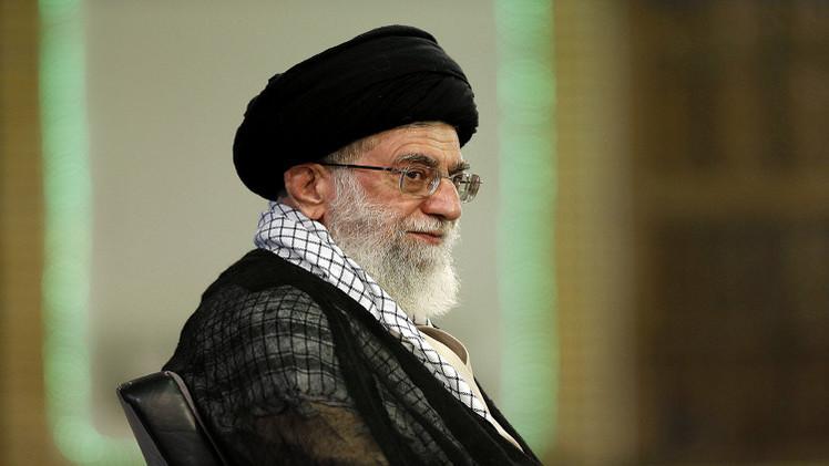 خامنئي يؤكد ضرورة التفريق بين الإسلام الأصيل والإسلام الأمريكي