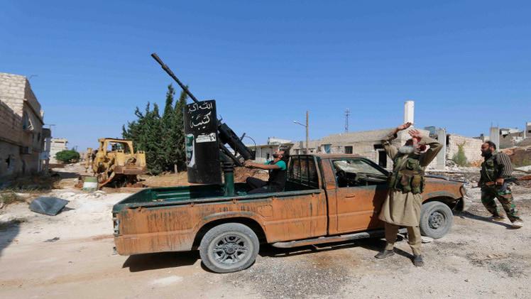صحيفة بريطانية: القطري السبيعي يقوم بتمويل المسلحين بسورية والعراق