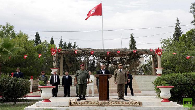 المرزوقي يدعو الجيش التونسي إلى الاستعداد لتأمين الانتخابات
