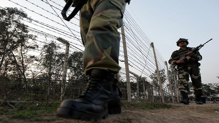 قتلى وجرحى في اشتباكات بين الجيشين الباكستاني والهندي في كشمير