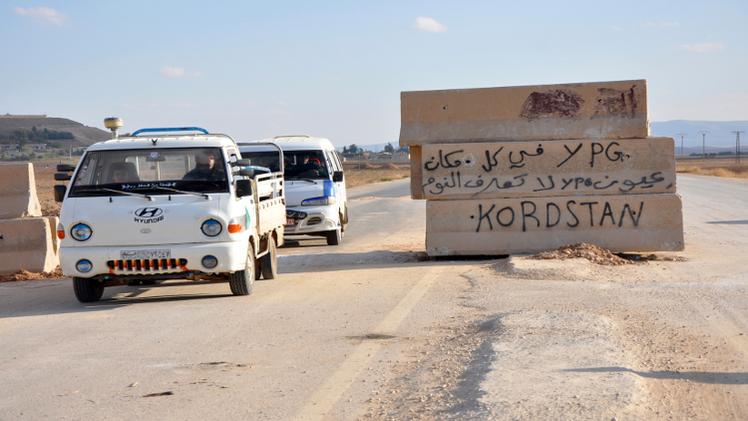 مقتل 30 مقاتلا كرديا في تفجيرين انتحاريين شمال سورية