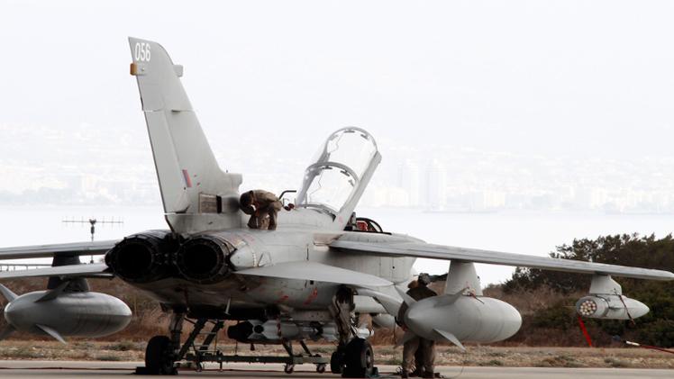 طيران التحالف يغير على مواقع بريف دير الزور شرقي سورية