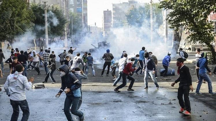تركيا تحبس 17 شخصا بانتظار المحاكمة لدورهم في مظاهرات