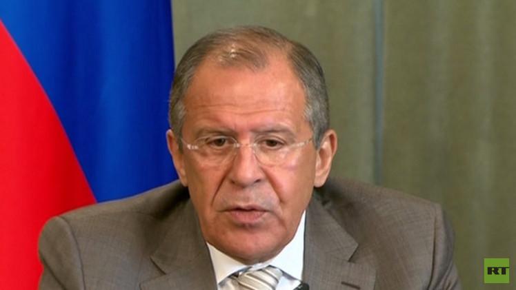 لافروف: نؤكد ضرورة الكف عن انتهاكات وقف إطلاق النار في جنوب شرق أوكرانيا