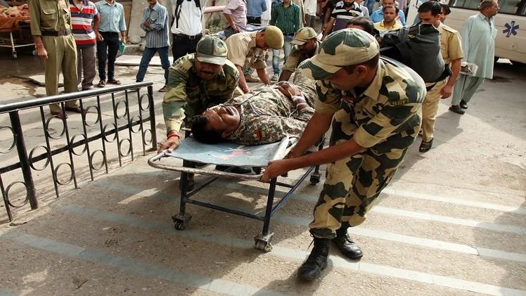 4 قتلى في تجدد الاشتباكات بين الجيشين الهندي والباكستاني بكشمير