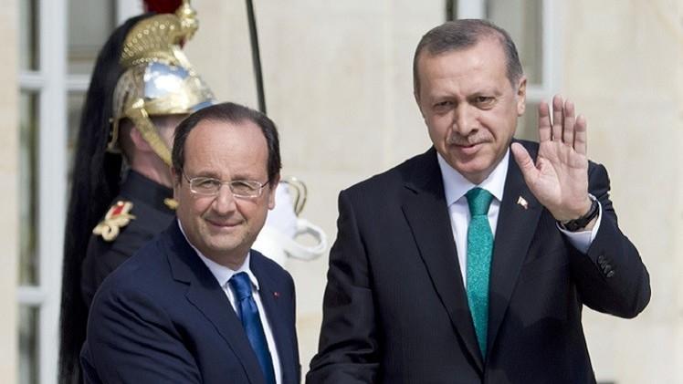 فرنسا تدعم إقامة منطقة عازلة على الحدود السورية التركية
