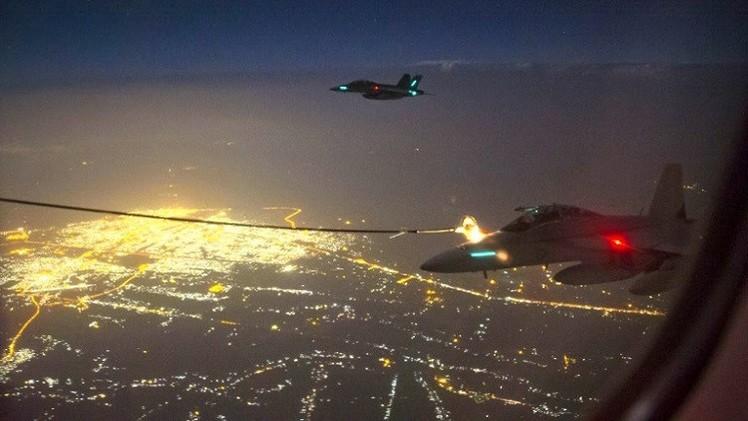 أستراليا توجه أول ضرباتها الجوية لـ