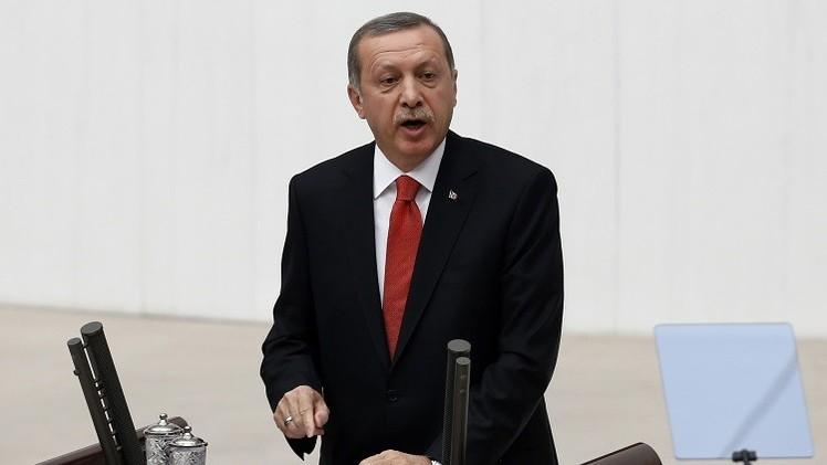 أردوغان يشدد لهجته ضد المتظاهرين الأكراد
