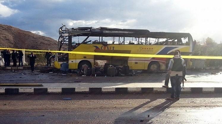 مصر: انفجاران يهزان سكة الحديد وحافلة ركاب خالية في الشرقية