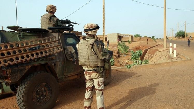 قوات فرنسية تدمر قافلة كانت تنقل أسلحة من ليبيا إلى مالي