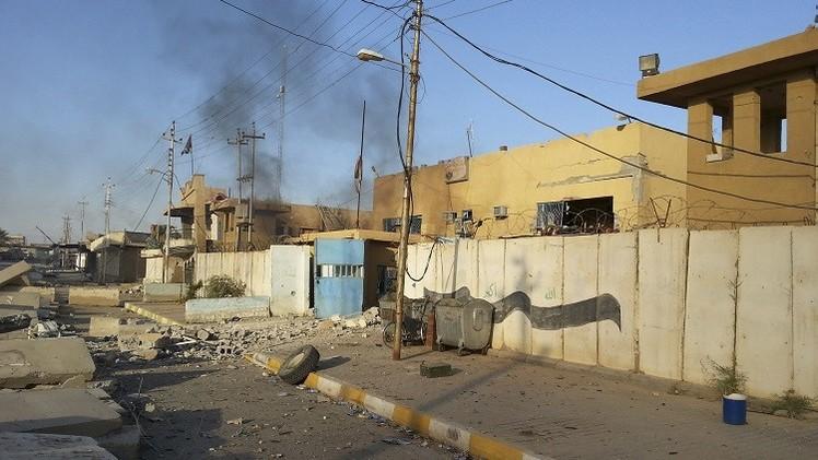 نزوح 180 ألفا من هيت العراقية بعد سقوطها بيد تنظيم