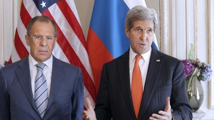 لافروف وكيري يبحثان الأزمة الأوكرانية والعلاقات بين موسكو وواشنطن