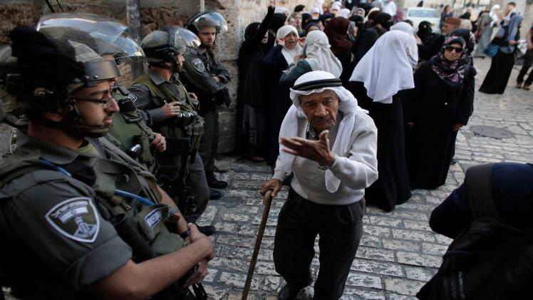 القوات الإسرائيلية تشدد قيودها على دخول المصلين إلى الأقصى