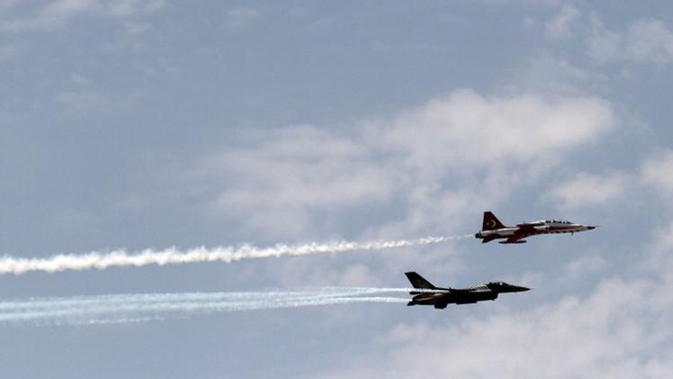 الطيران التركي يقصف مواقع لحزب العمال الكردستاني