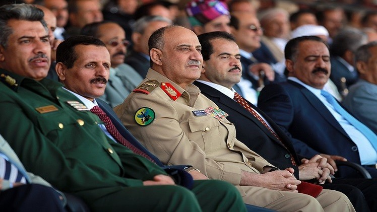 أحزاب يمنية تطالب بإقالة وزير الدفاع لتواطئه مع الحوثيين