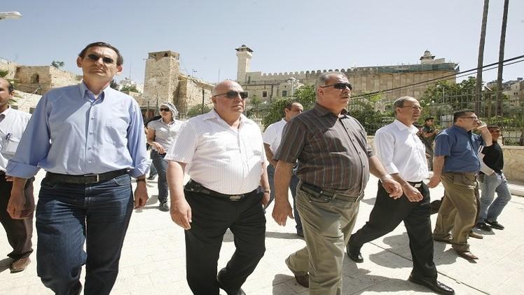 اشتباكات بين أعضاء كنيست عرب والشرطة الإسرائيلية في باحات الأقصى