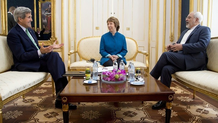 ظريف وآشتون وكيري يناقشون ملف إيران النووي في فيينا