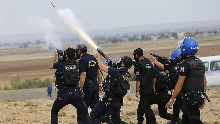 بعد احتجاجات الأكراد.. تركيا توسع صلاحيات الشرطة