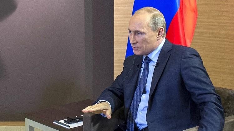 بوتين: أوباما ينتهج سلوكا عدائيا تجاه روسيا