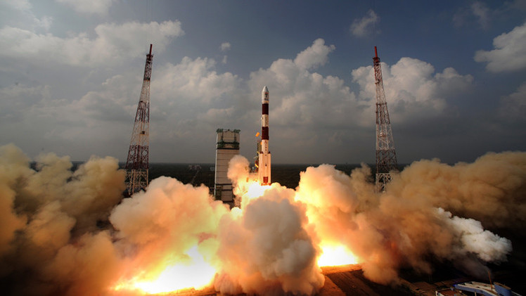 الهند تطلق ثالث قمر اصطناعي