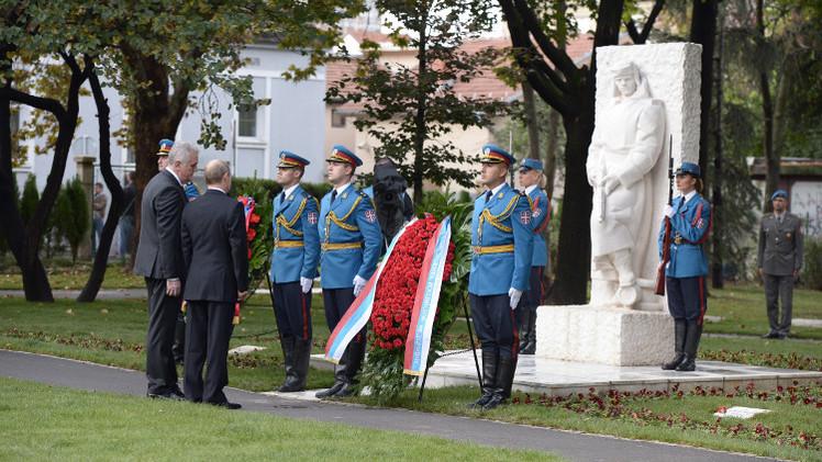 بوتين يشارك في مراسم إحياء الذكرى الـ70 لتحرير بلغراد (فيديو)