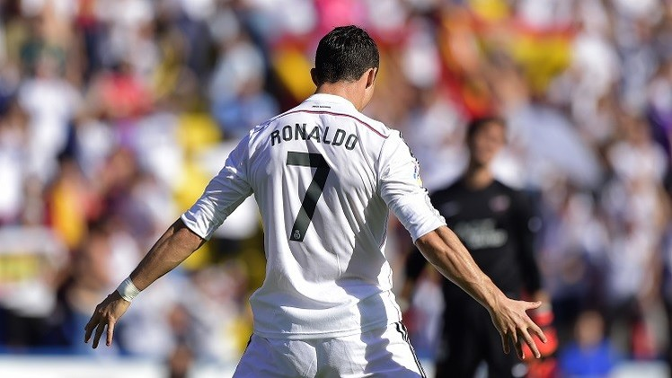 رونالدو يحطم رقما قياسيا جديدا في الدوري الإسباني