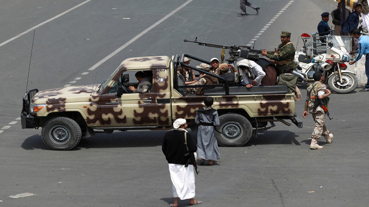 مسلحون حوثيون يسيطرون على معبر مع السعودية