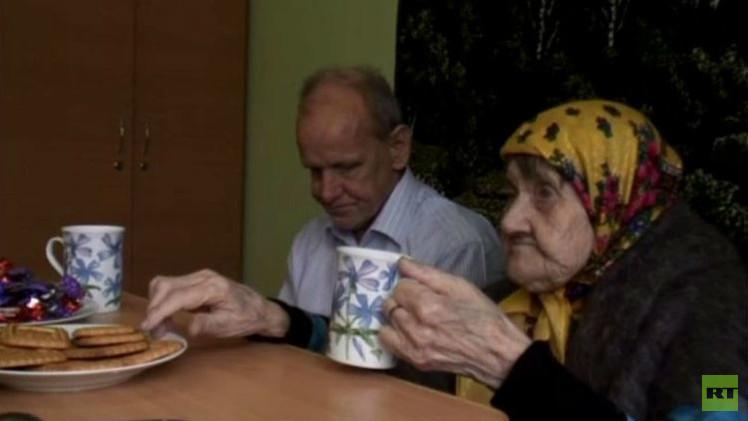 بالفيديو من روسيا..  مسنة في 101 من عمرها تتزوج...