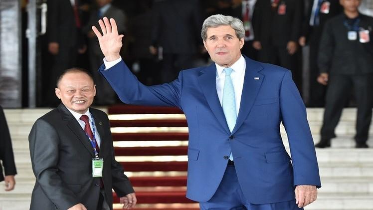 كيري في حفل تنصيب رئيس إندونيسيا للحصول على دعم آسيوي ضد