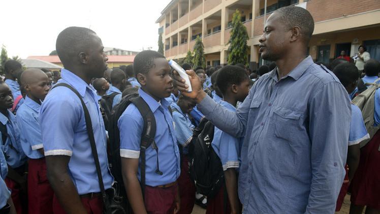 منظمة الصحة العالمية تعلن نيجيريا خالية من إيبولا.. ماذا فعلت لتتجنب الفيروس القاتل؟