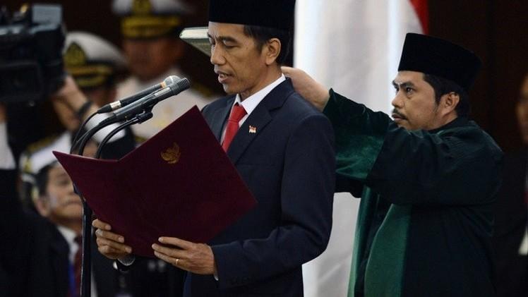 الرئيس الأندونيسي الجديد يتسلم مهامه رسميا