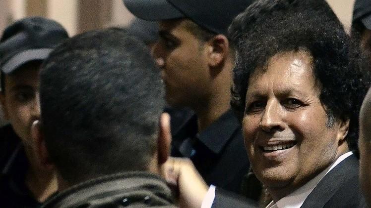 أحمد قذاف الدم يريد المشاركة في محادثات لاحتواء الأزمة الليبية