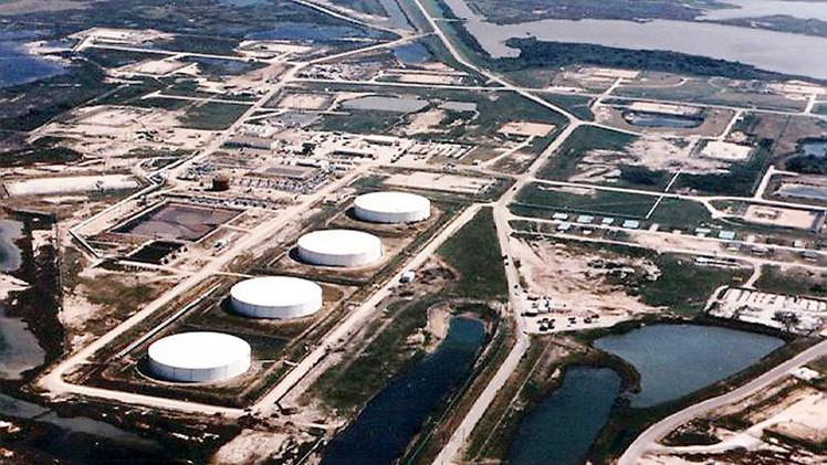 تراجع أسعار النفط على خلفية نمو الاحتياطيات الأمريكية