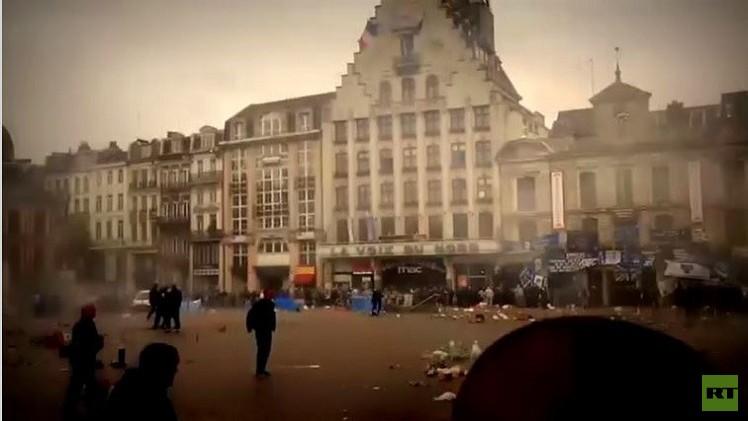 بالفيديو من فرنسا.. الشرطة تقمع شغب مشجعي نادي إيفرتون البريطاني