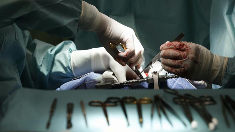 جراحون أستراليون يزرعون قلوبا