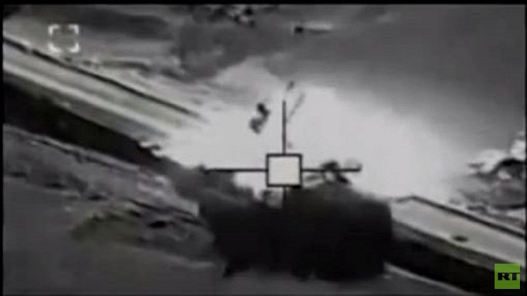 تدمير سيارة مفخخة قرب عين العرب (فيديو)