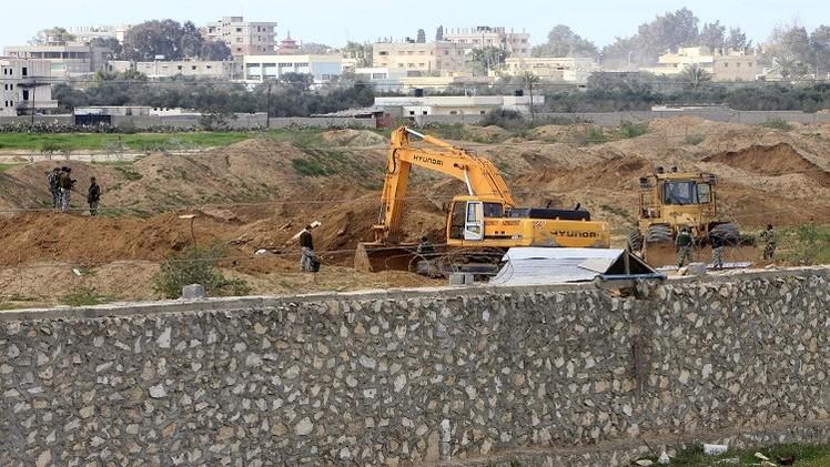 مصر تقرر إقامة منطقة عازلة واسعة على الحدود مع غزة