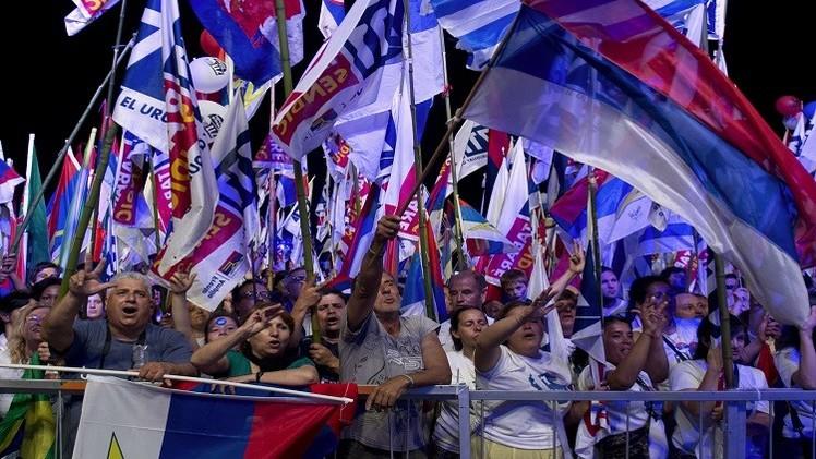 الأوروغواي تنتخب رئيسها والتصويت على الماريغوانا