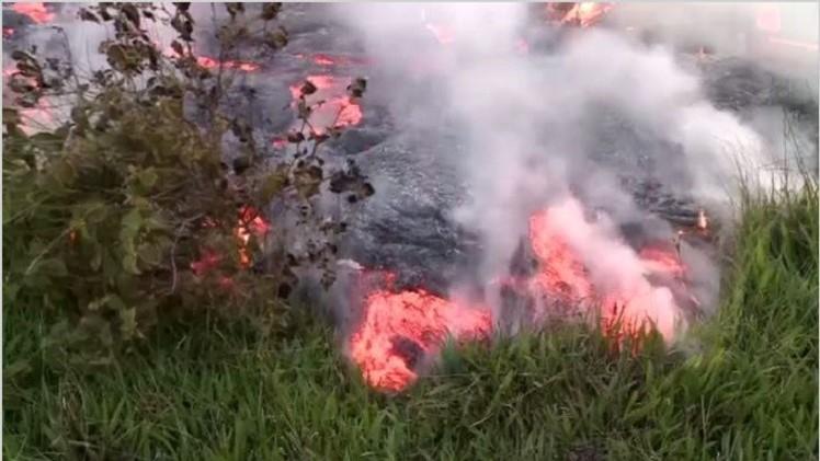 بالفيديو..حمم بركان كيلاوي تقترب من منازل سكان هاواي