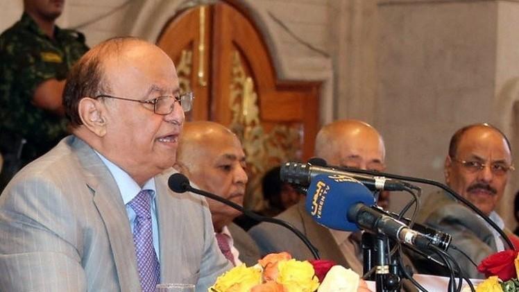 هادي يدعو المسلحين الحوثيين الى الانسحاب من المدن