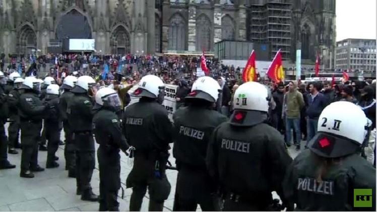 بالفيديو من ألمانيا.. اندلاع الاشتباكات في مدينة كولونيا ضد السلفيين