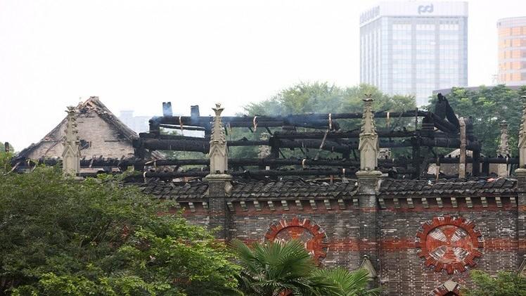مصرع شخصين وإصابة 19 بانهيار كنيسة بوسط الصين