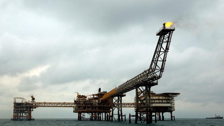إيران تخطط لزيادة إنتاج النفط إلى 4.3 مليون برميل يوميا