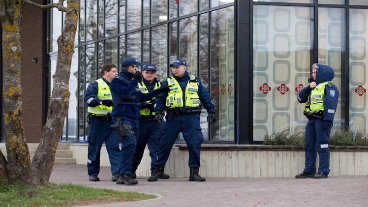 تلميذ يقتل مدرسته في إستونيا