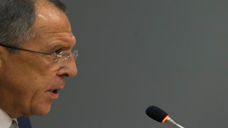 لافروف: روسيا ستعترف بنتائج الانتخابات في دونيتسك ولوغانسك