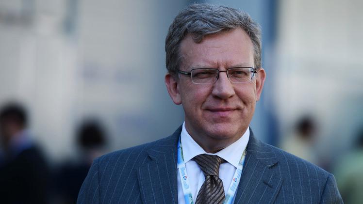 وزير مالية سابق: يتوجب على البنك المركزي الروسي تعويم الروبل